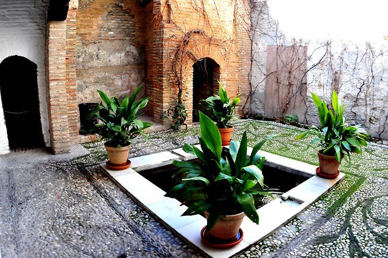 Los patios de Granada, en Waste magazine